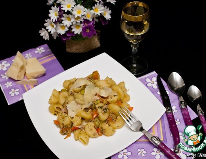 Рецепт: Паста с тунцом и овощами