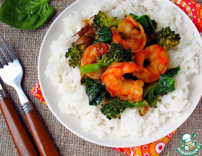 Рецепт: Креветки с зелеными овощами в стиле вок