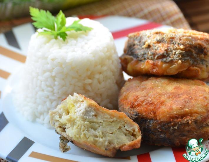 Рецепт: Фаршированные колечки из щуки с рисом