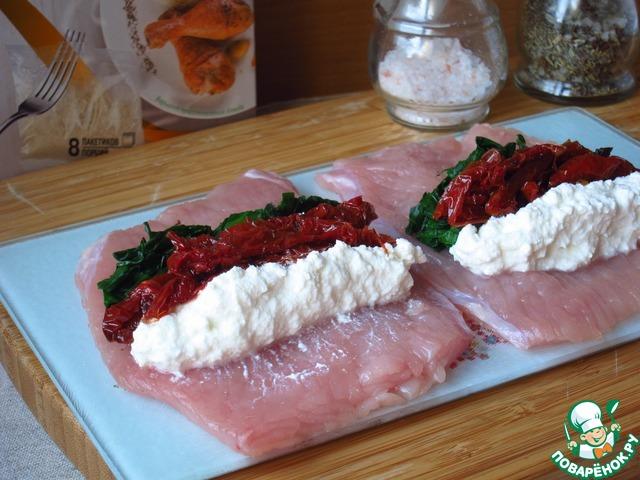 Смотреть Рулет из рубленого мяса с томатным соусом видео