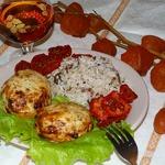 Куриные биточки с вялеными томатами и зеленью (в аэрогриле)