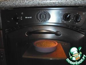 Выпекаем при 180 – 200 °С около 1 часа 15 минут – пока корж не станет плотным и румяным.