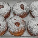Пончики на еврейский праздник ханука Суфганиёт