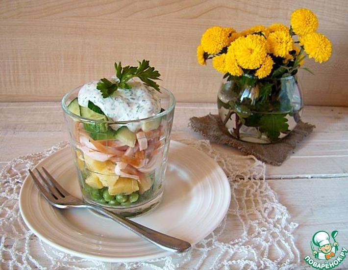 Рецепт: Салат с курицей, картофелем и зеленым горошком