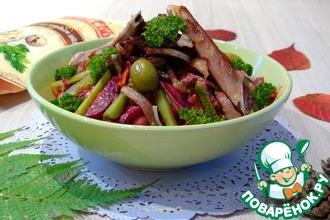 Рецепт: Теплый салат со свиными ребрышками и овощами