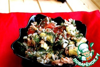 Рецепт: Салат из тунца с помидорами и бананом