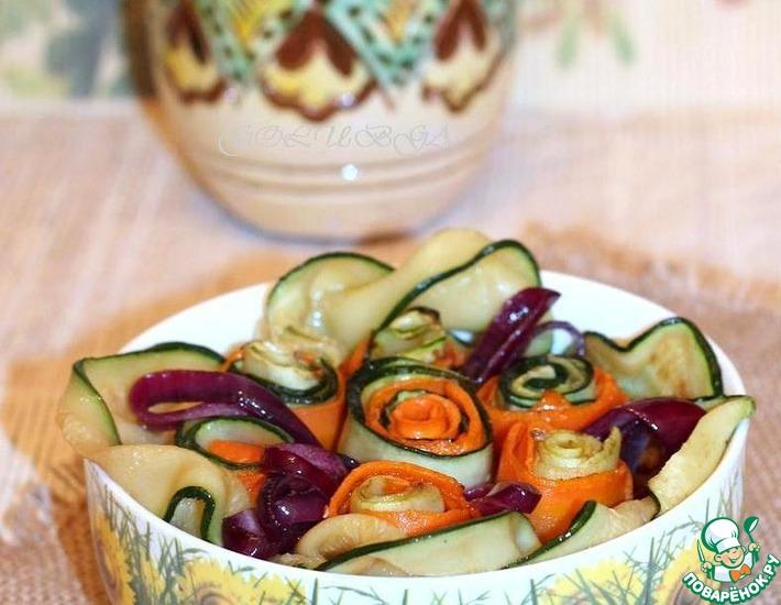 Рецепт: Теплый салат из цуккини, морковки и гречи