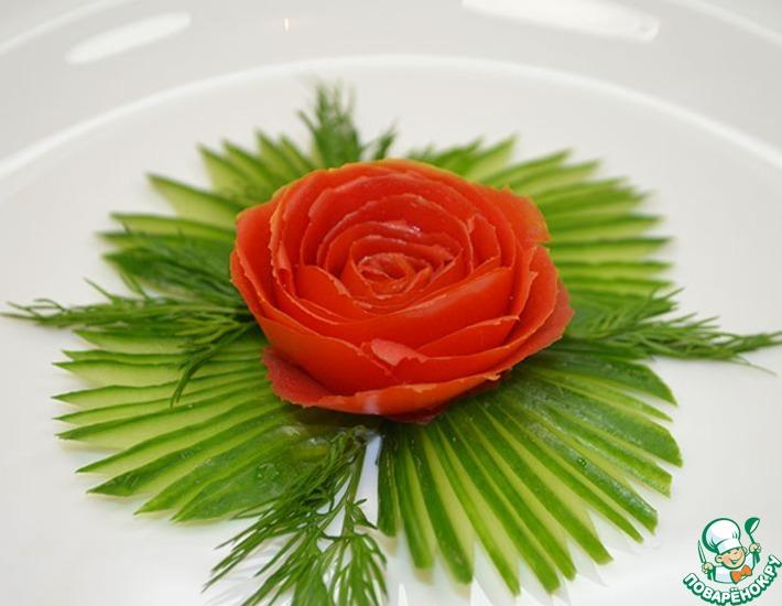 Рецепт: Как сделать розу из помидора
