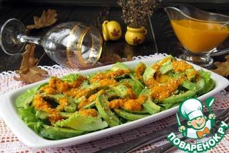 Рецепт: Салат из огурца с авокадо под соусом