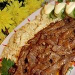 Нежная говядина в ароматном соусе