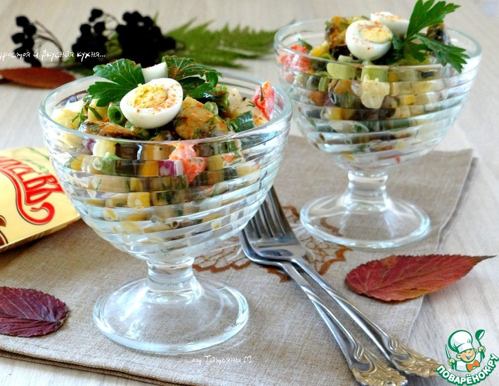 Рецепт: Сытный овощной салат с мидиями