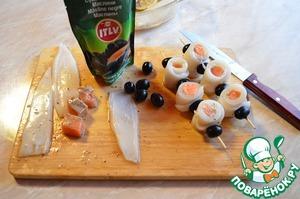 Шашлык из кальмаров и семги с гриль салатом – кулинарный рецепт
