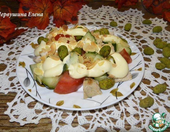Рецепт: Салат овощной с курицей и арахисом