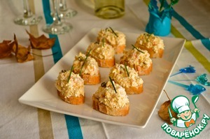 Open sandwiches with crab salad