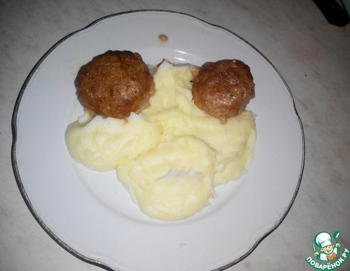 Рецепт: Тефтели в молочном соусе