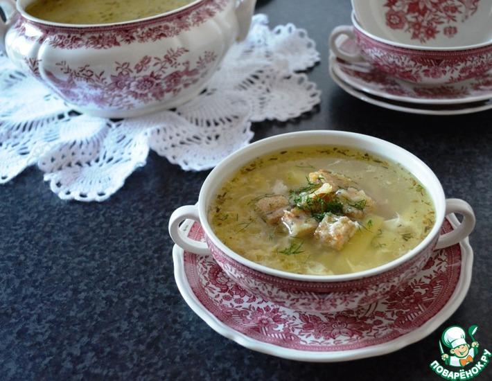 Рецепт: Чесночный суп с яйцом и сырными сухариками