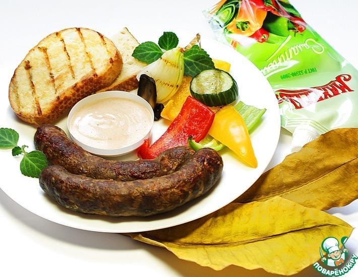 Рецепт: Домашняя колбаса с соусом Махеевъ