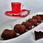 Ягодный десерт в шоколадной посыпке