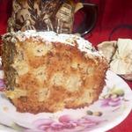 Пирог медово-яблочный с орехами