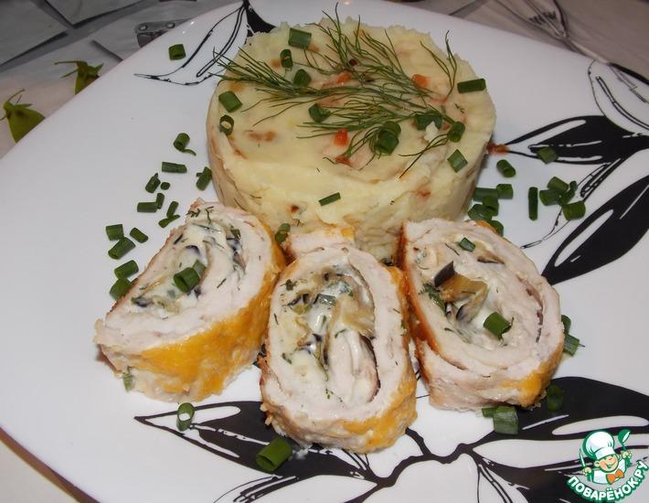 Рецепт: Куриный рулет с баклажаном и плавленным сыром