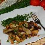 Грибы с курицей и арахисом