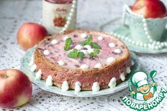 Рецепт: Творожно-свекольная запеканка с начинкой из яблок и клюквенного соуса
