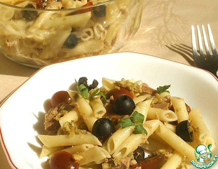 Рецепт: Салат из пасты с оливками