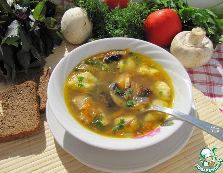 Рецепт: Суп гречневый с грибами и картофельными клецками