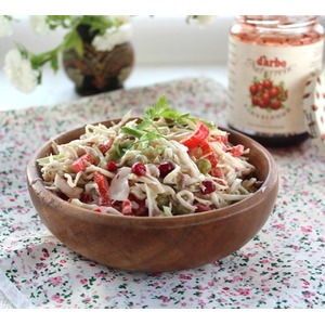 Салат из капусты с куриным филе