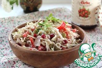Рецепт: Салат из капусты с куриным филе
