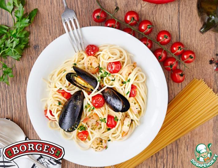 Рецепт: Спагетти с морепродуктами и томатами черри