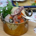 Куриные желудки под сливочно-брусничным соусом