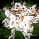 Салат с курицей, яблоком и сушеным инжиром