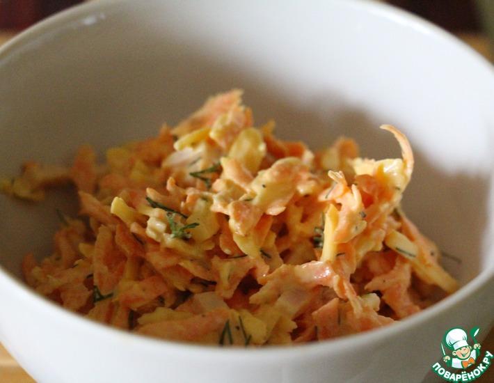 Рецепт: Легкий морковный салат с сыром и чесноком