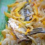 Скумбрия в апельсиновом маринаде с рисом