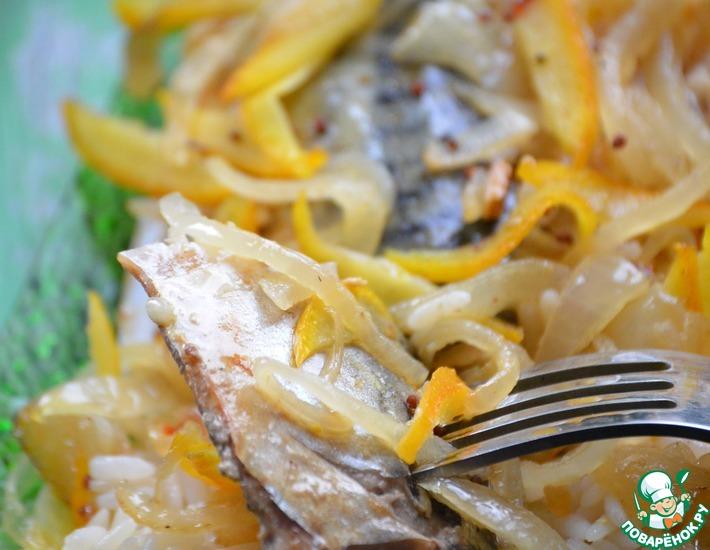 Рецепт: Скумбрия в апельсиновом маринаде с рисом