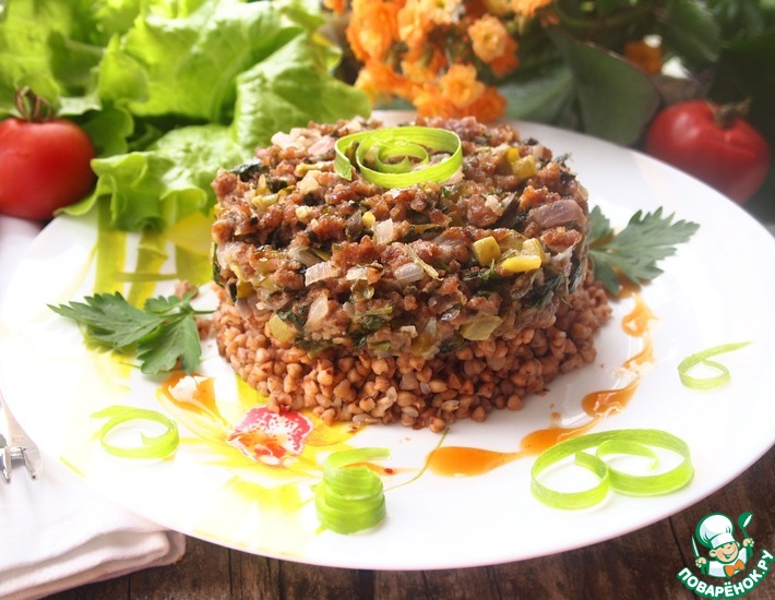 Рецепт: Горячий мясной тартар на подушке из гречки