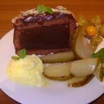 Шоколадная маркиза с грушами-фламбе
