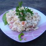 Салат с плавленым сыром и сухариками