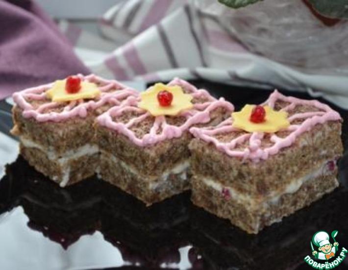 Рецепт: Пирожное из ржаного хлеба с заварным кремом и ягодным соусом