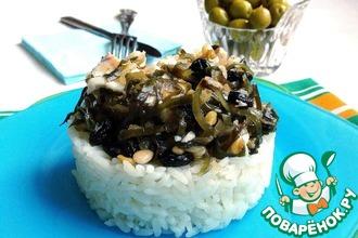 Рецепт: Отварное филе трески с морской капустой