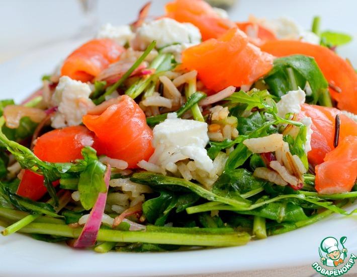 Рецепт: Салат из рукколы с рыбой и томатами
