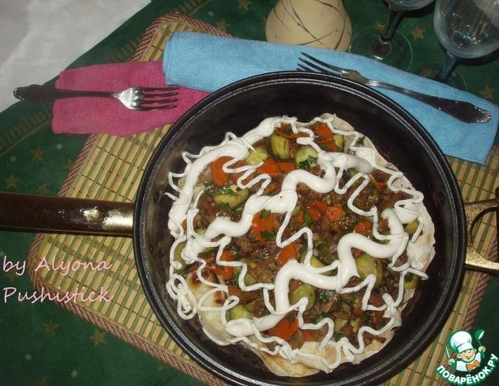 Рецепт: Тёплый салат на лаваше Нежность на двоих