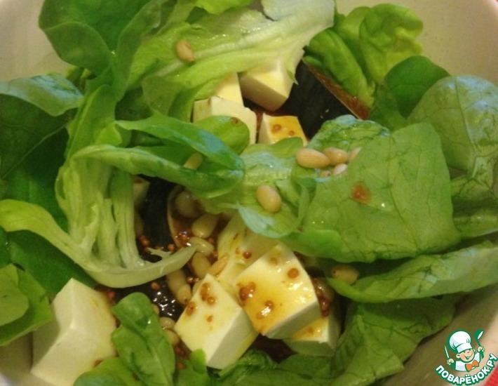 Рецепт: Легкий салат с инжиром