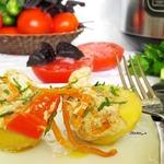 Картофель с овощами и курицей на пару