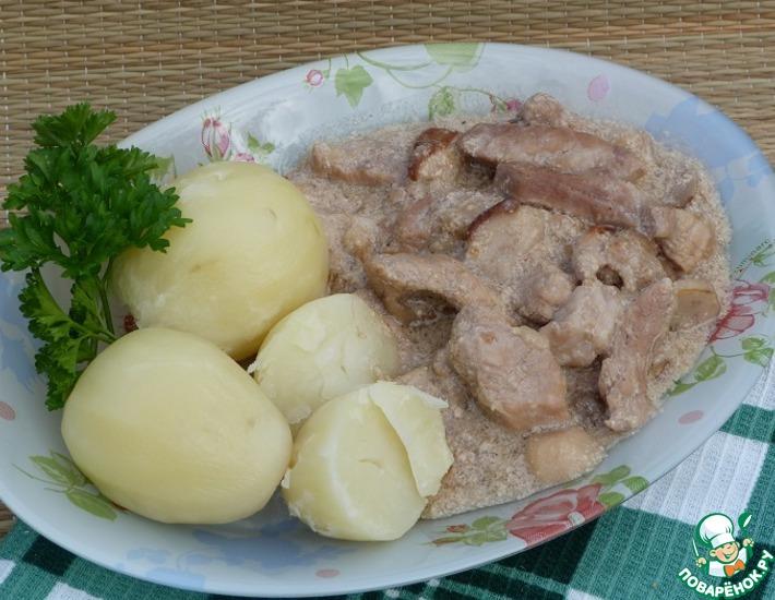 Рецепт: Свинина с грибами в сливках