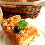 Творожно-абрикосовая ватрушка с овсяным штрейзелем