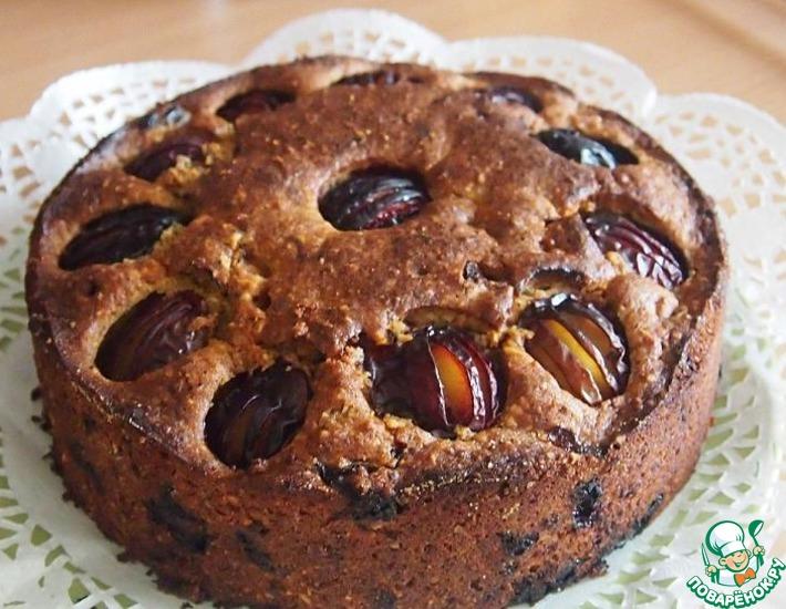 Рецепт: Сливовый пирог с орехами и шоколадом