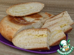 The bread with garlic and cheese