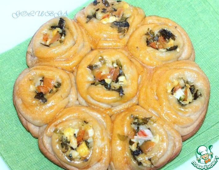 Рецепт: Булочки-розочки с сырной начинкой в мультиварке